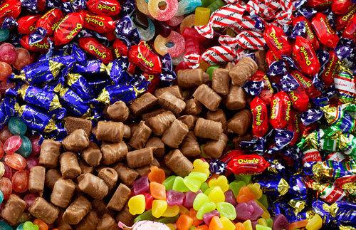 С днем конфет картинки 18 октября